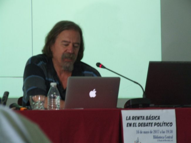 Paradigma entrevista a Daniel Raventós:  La renta básica en el debate político