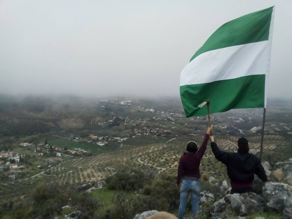 """El """"Cerro Libertad"""" resiste el intento de desalojo con la solidaridad y apoyo de las """"Interbrigadas"""""""