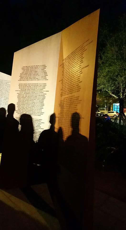 Una placa-homenaje recuerda desde anoche a los republicanos antifascistas de nuestra ciudad deportados a Mauthausen