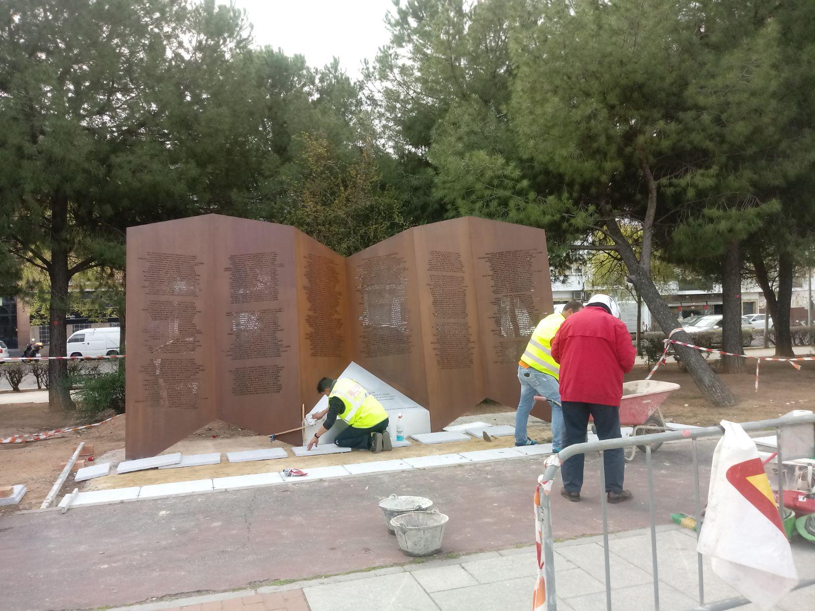 Inauguración del monumento a las víctimas cordobesas en los campos de exterminio nazis