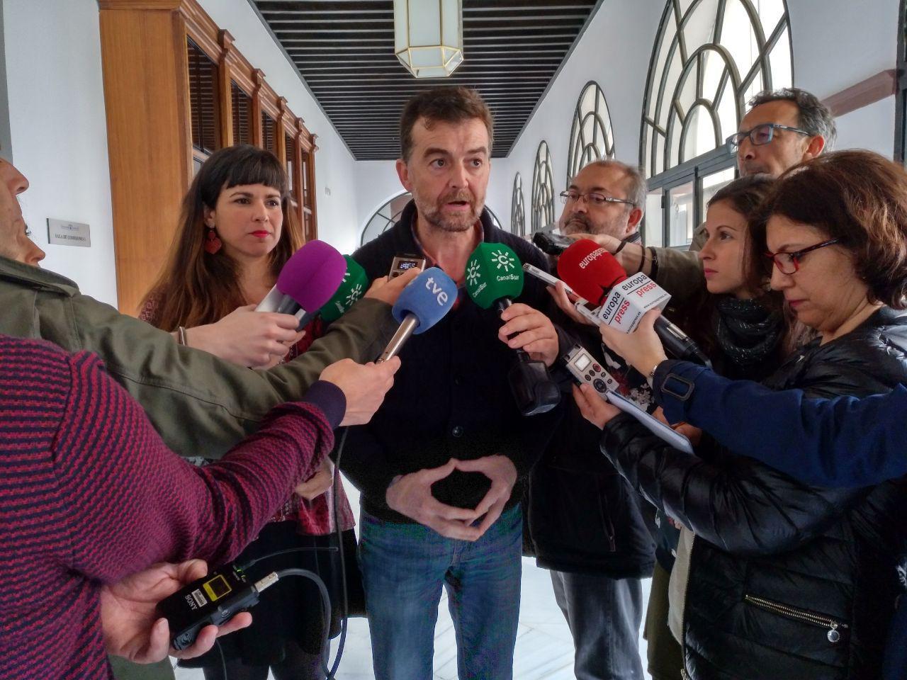 Los sindicatos avalan la PPL de IU y Podemos para blindar el 5% del PIB para educación en Andalucía