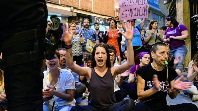 """Comunicado en relación a la represión policial ejercida el pasado 26 de abril en la concentración de repulsa contra la sentencia de """"La Manada"""""""
