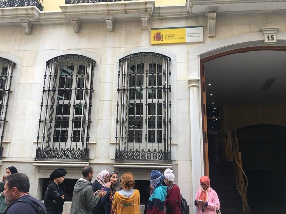 Temporeras marroquíes denucian abusos, maltrato e impago por parte de la empresa Doñana 1998 en Huelva