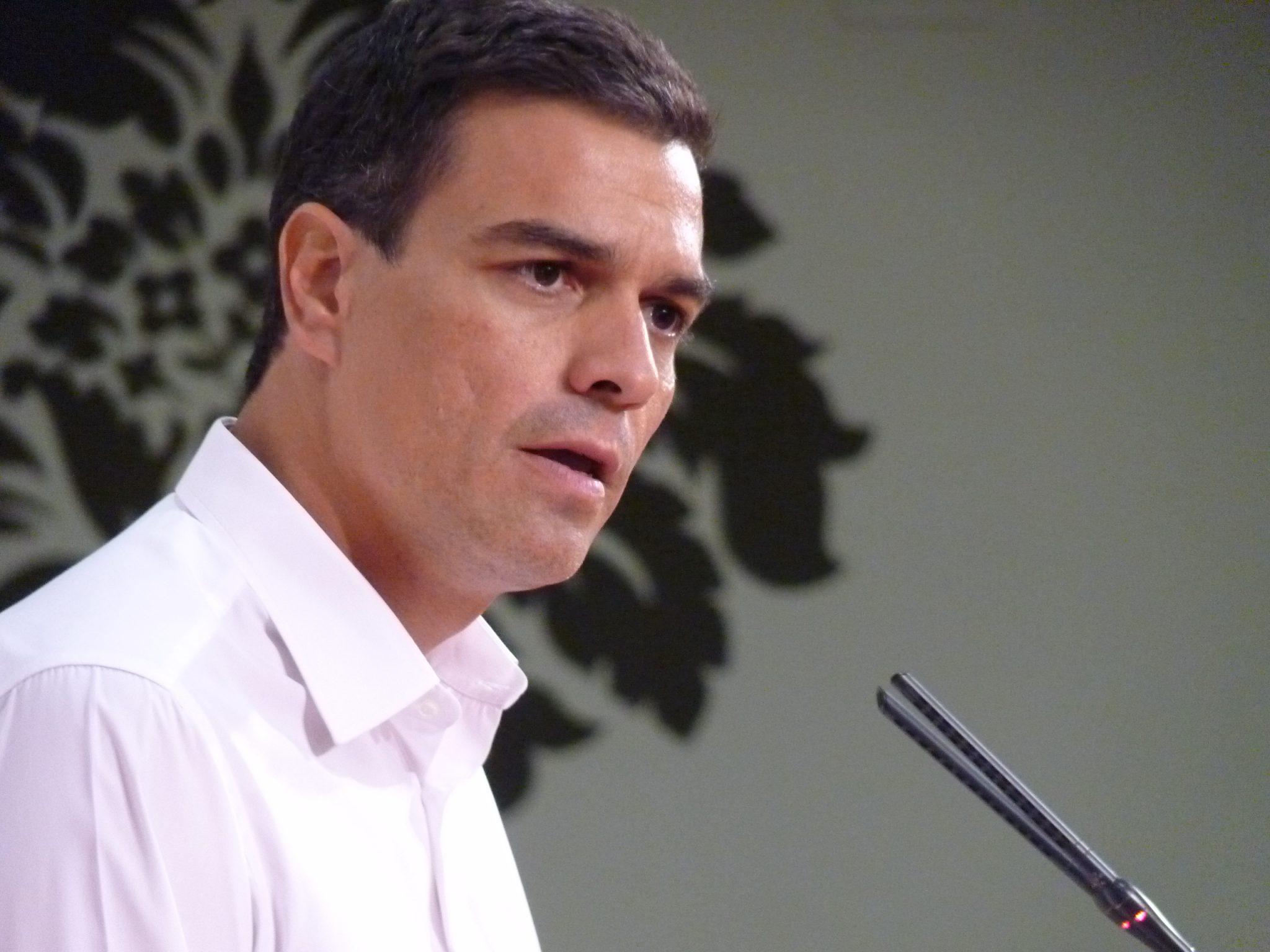 Europa Laica, satisfecha porque Pedro Sánchez no usara símbolos religiosos en su toma de posesión