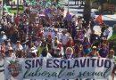 """Marcharon en Huelva contra la explotación laboral y sexual de las trabajadoras del campo: """"Fresas sí, pero con derechos"""""""