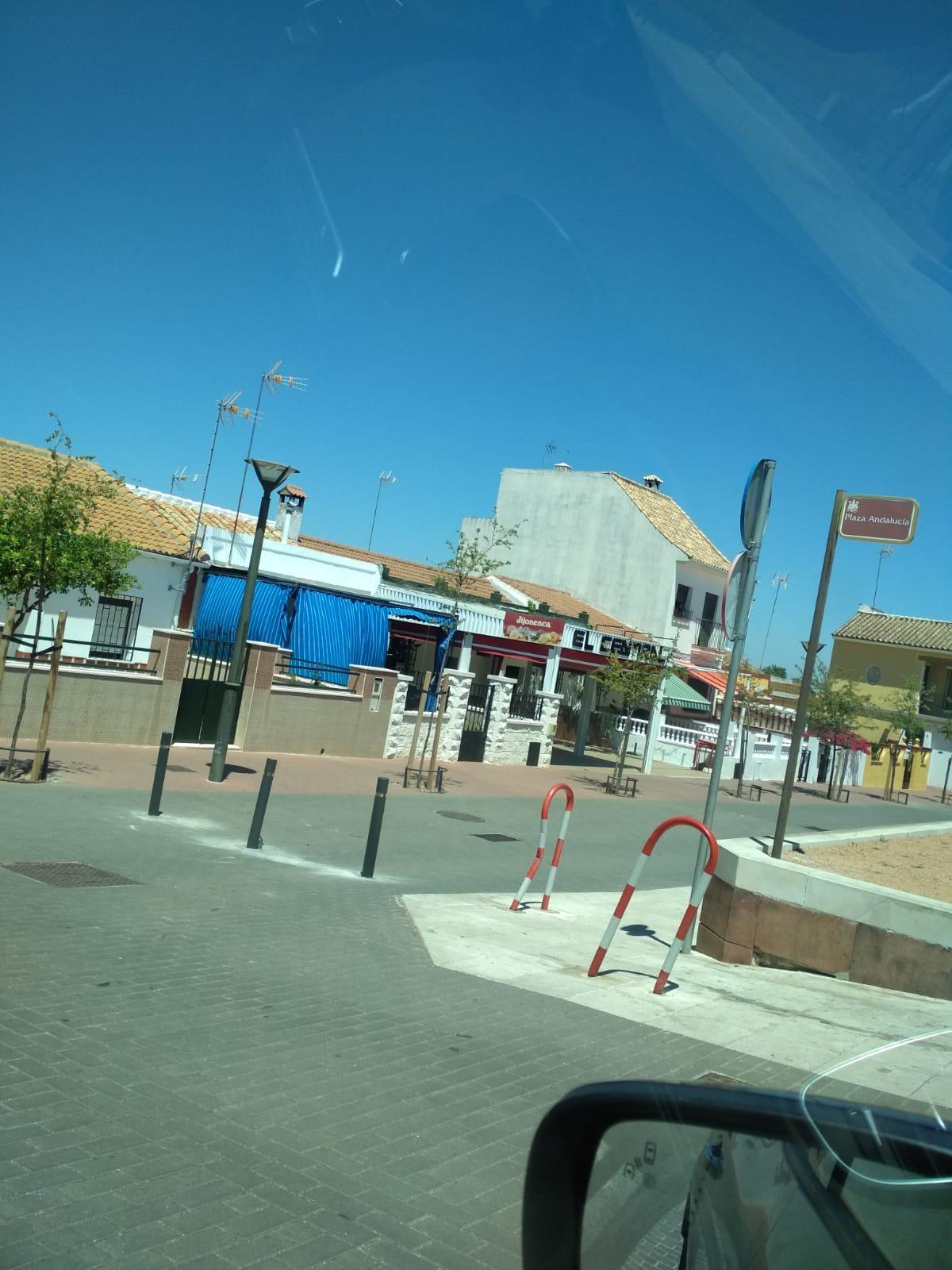El vecindario de Cerro Muriano en contra del cierre al tráfico de la Plaza de Andalucía