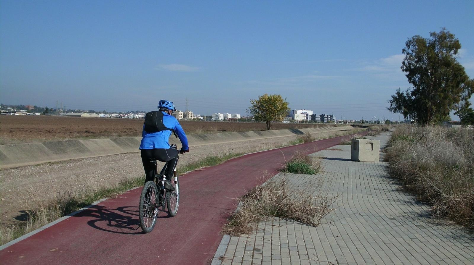 La Federación de Asociaciones Vecinales Al-Zahara reprocha al Ayuntamiento el anuncio de ejecución de obras sin consenso, esta vez, las del carril bici