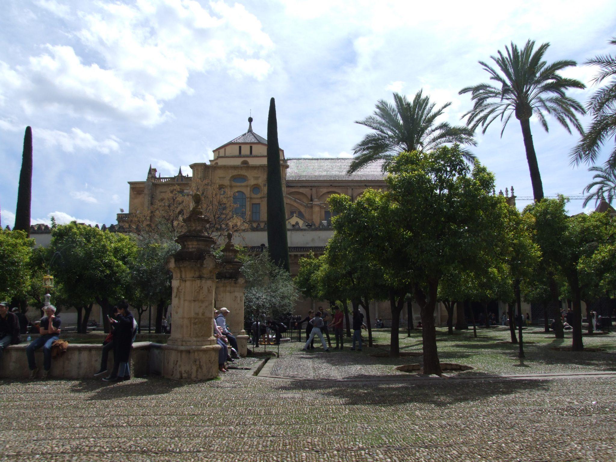"""Ganemos Córdoba critica el """"entreguismo del PSOE al Cabildo"""" en la firma del nuevo convenio: """"una oportunidad perdida para exigir la gestión pública de la Mezquita-Catedral"""""""
