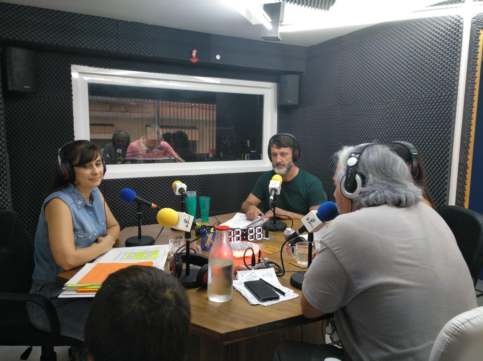 Tercer programa de la 3ª temporada de ¡Qué tal!¿Cómo estamos? Con Inés Fontiveros y Álex Castellanos.