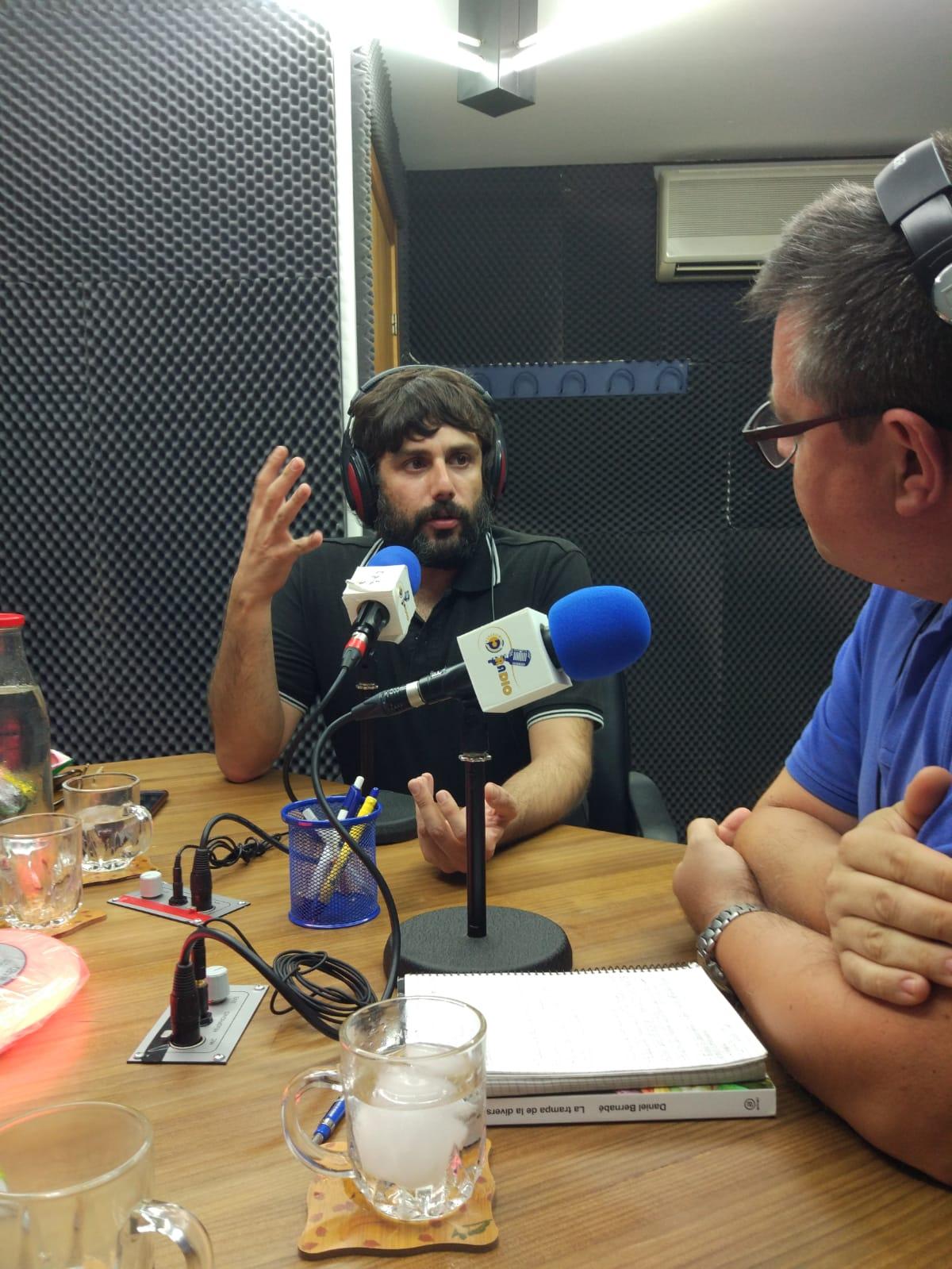 Daniel Bernabé en Charlemos, de Paradigma Radio