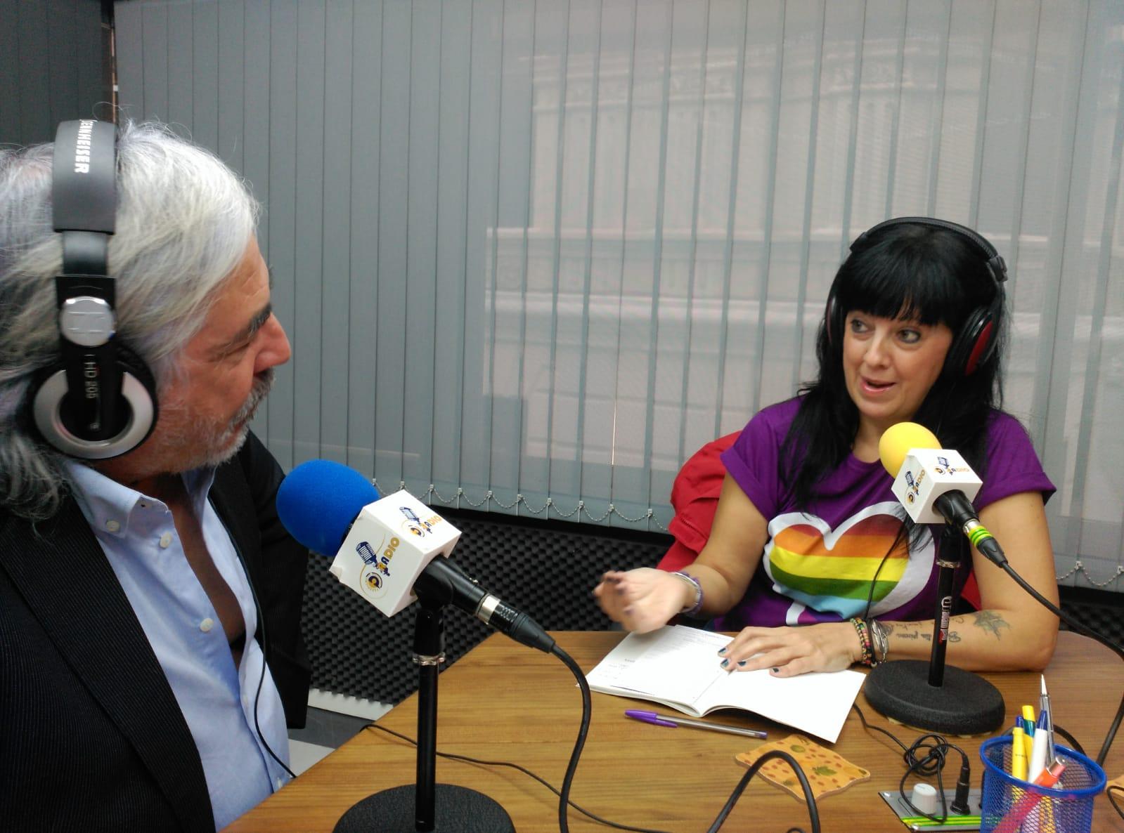 Octavo programa de la 3ª temporada de ¡Qué tal!¿Cómo estamos? Con Álex Castellanos e Inés Fontiveros