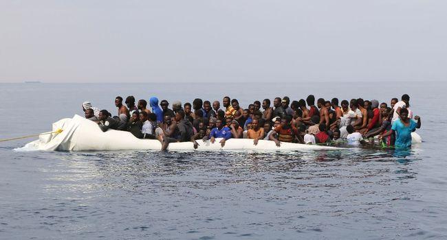¿Cómo se está abordando la inmigración en España y la Unión Europea?