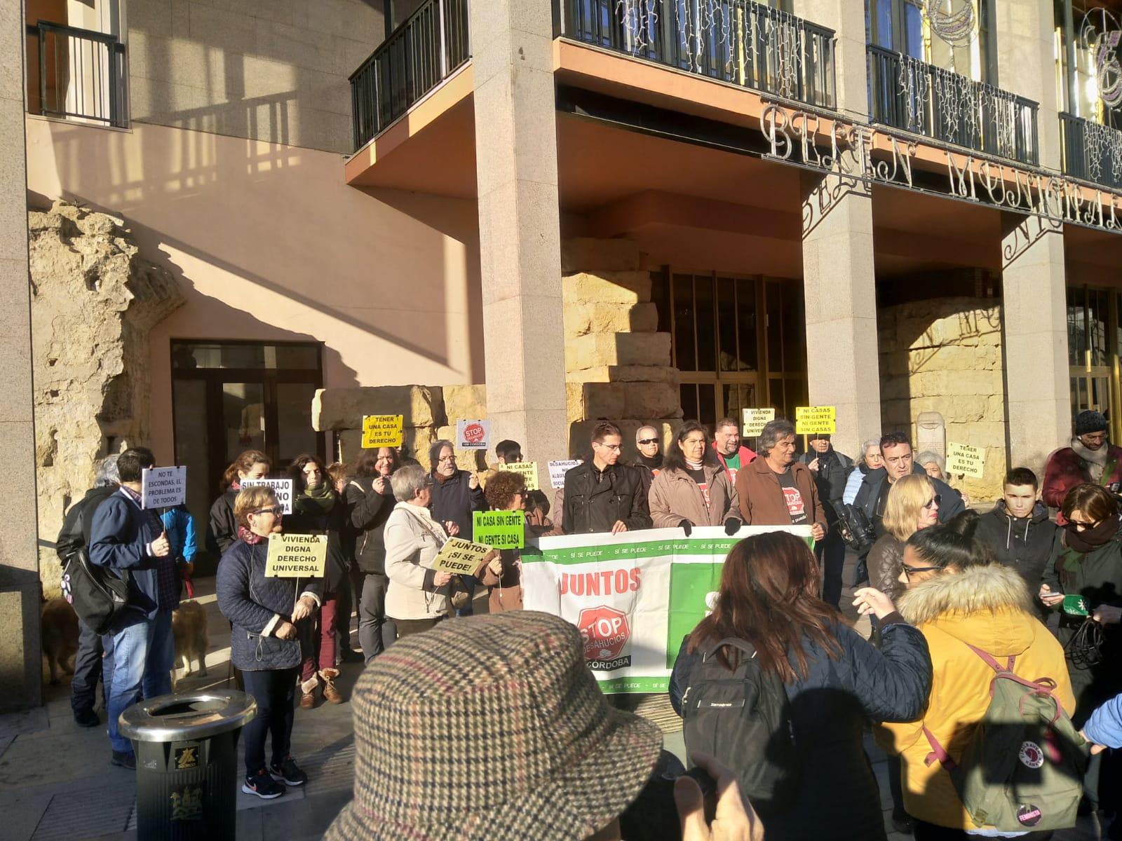 La Plataforma Stop Desahucios Córdoba denuncia la falta de implicación del Ayuntamiento en el cumplimiento del derecho a una vivienda digna