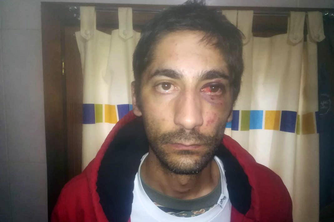 Activistas cordobeses expresan su apoyo a Francisco Calvo, ciudadano cordobés agredido, amenazado e insultado por agentes de la policía nacional