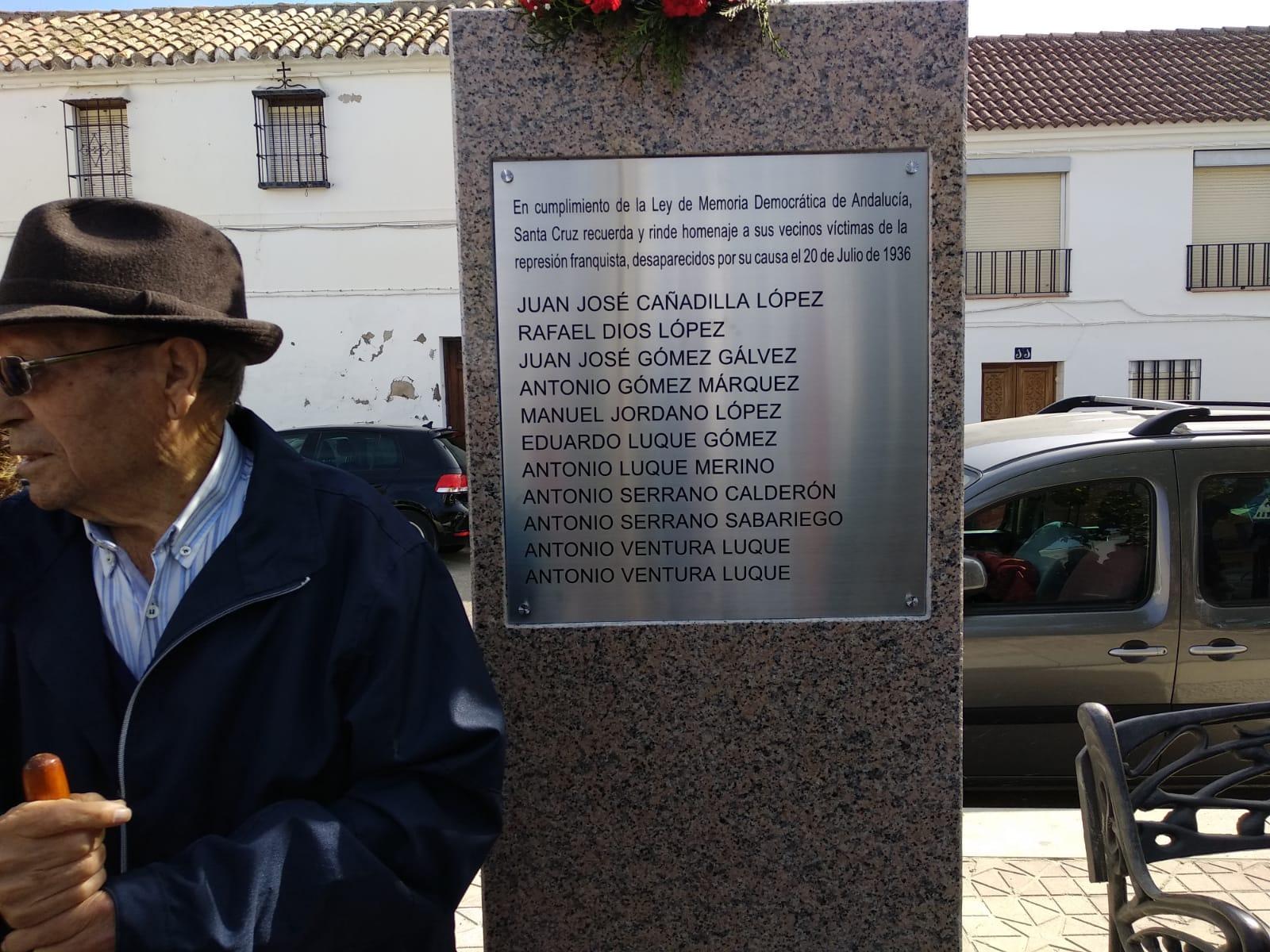Homenaje a las víctimas del Franquismo en Santa Cruz