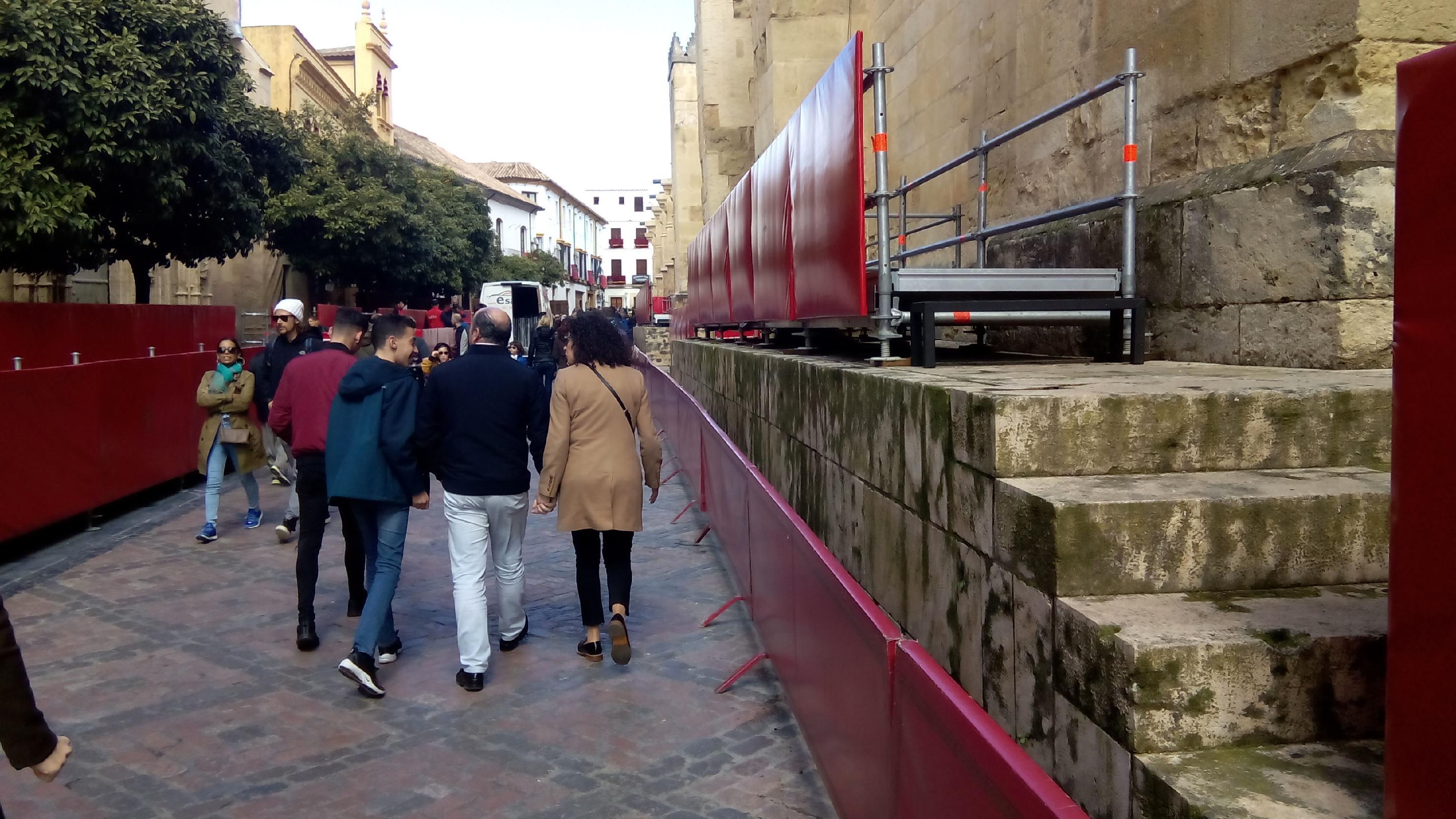 La Plataforma solicita a Patrimonio Cultural de la Junta, Icomos y Ayuntamiento que se evite la instalación de palcos en el entorno de la Mezquita