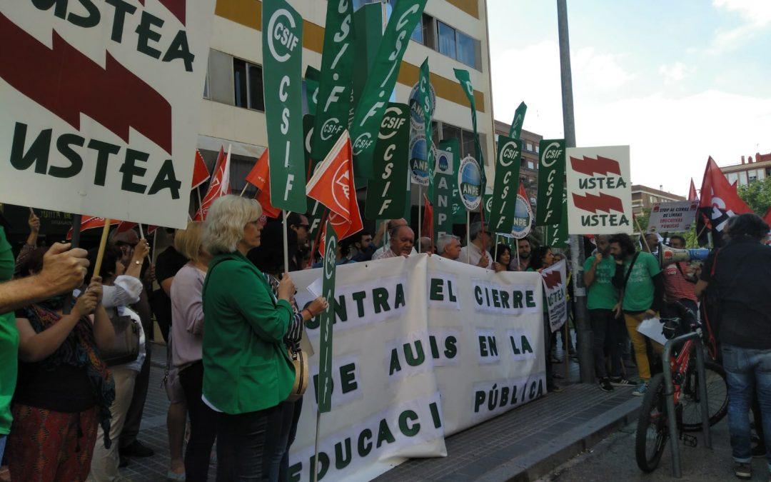 Manifiesto contra el cierre de aulas en la educación pública