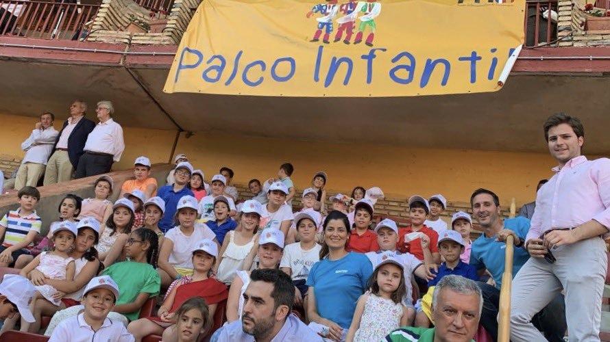 PACMA denuncia la instalación del palco infantil de la feria taurina de Córdoba