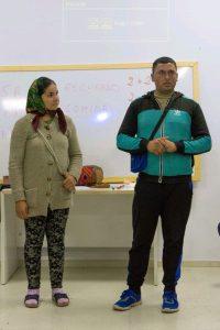 Victor y Florina hablan de su pueblo en los talleres de Acisgru