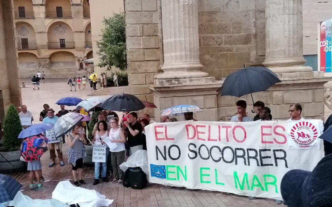 Unas 200 personas se concentran contra la política migratoria de España y la UE