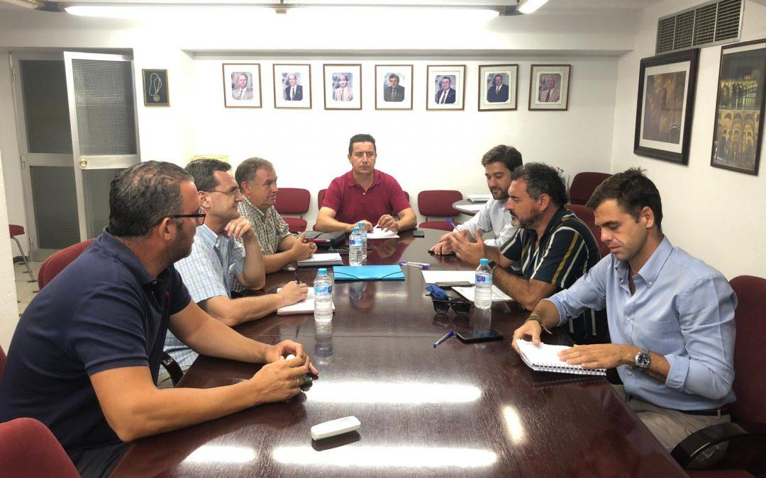 Empresarios de hostelería y Asociaciones vecinales abren un diálogo sobre la ciudad