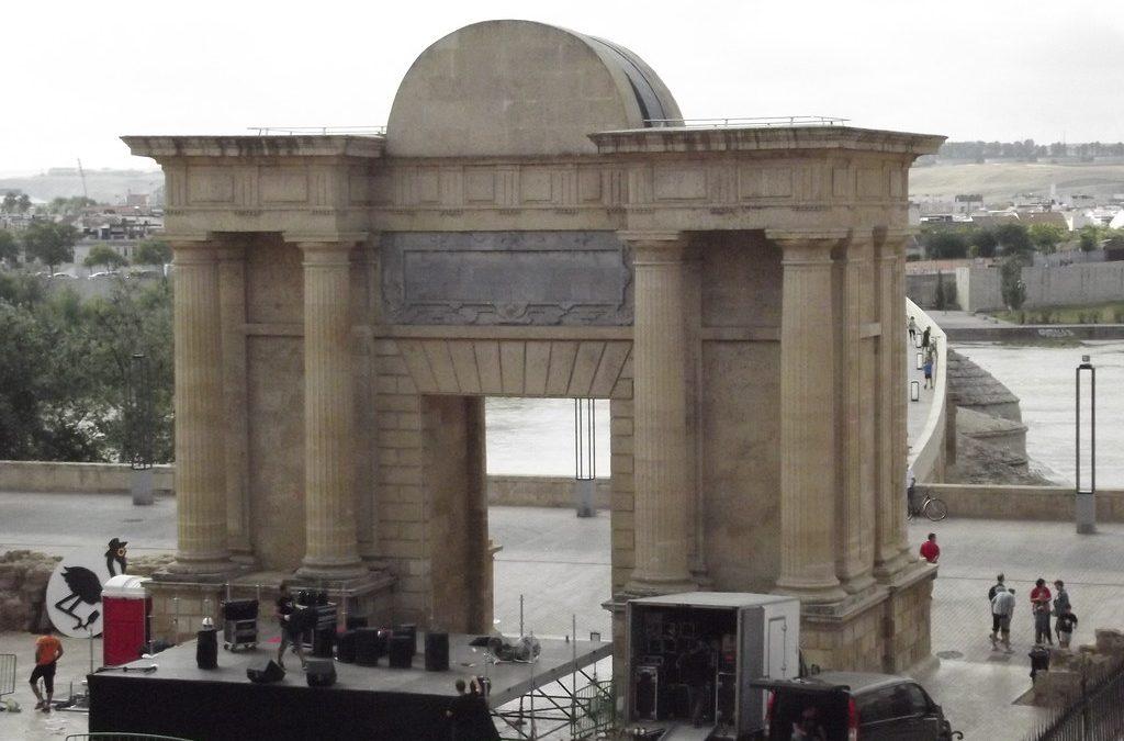 La Federación vecinal Al-Zahara considera un despropósito montar una docena de conciertos en el Casco