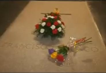 IU muestra su satisfacción por la exhumación de Franco