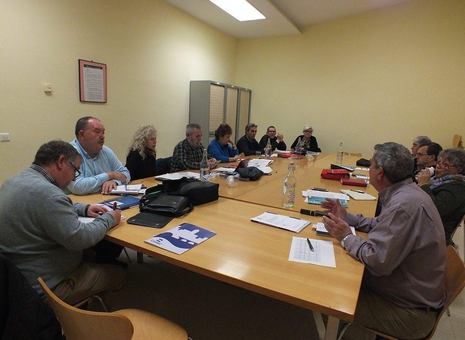 Las asociaciones vecinales debaten acciones contra la proliferación de salas de apuestas