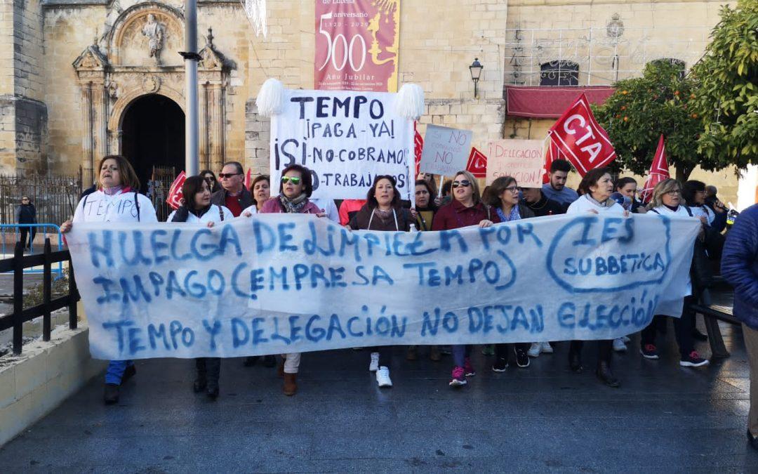 CTA informa de que la huelga de limpiadoras de institutos se aplaza tres semanas