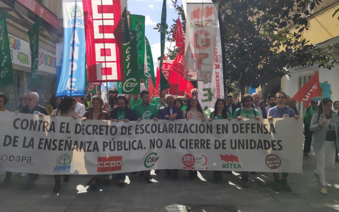 La comunidad educativa estalla contra el sectarismo de la Junta de Andalucía y la venta de la educación pública