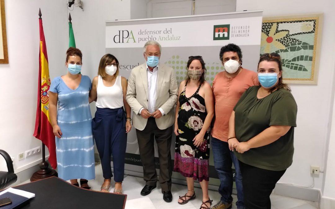 El Defensor del Pueblo Andaluz da su apoyo al movimiento de AMPAS y docentes de Córdoba