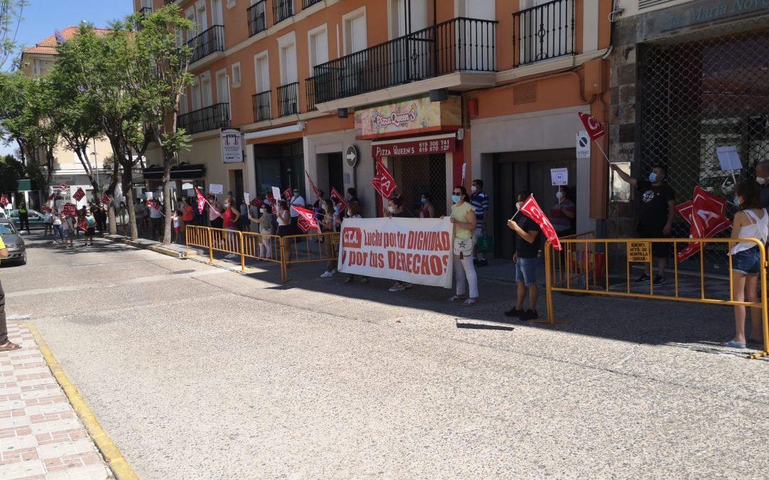 Las trabajadoras de Ayuda a Domicilio de MONSECOR S.L. se manifiestan en Montilla
