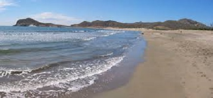 Consumidores, ecologistas y sindicatos reclaman al gobierno andaluz una apuesta por un modelo turístico basado en la sostenibilidad, la seguridad y el consenso