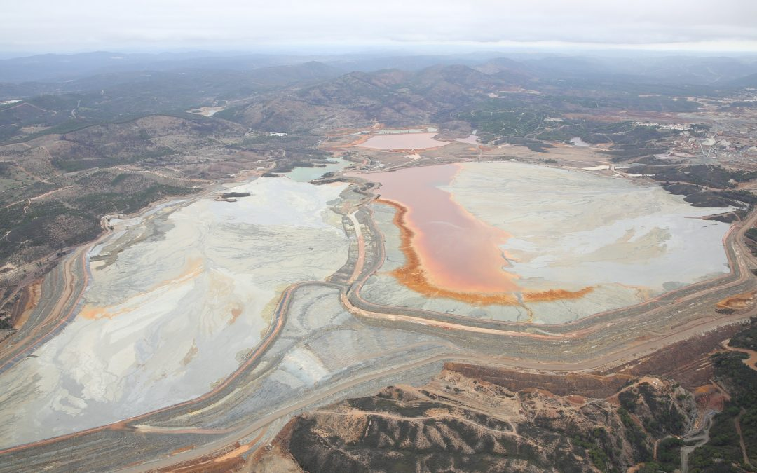 La Junta autoriza un recrecimiento de las balsas mineras de Riotinto que las pone al borde del colapso