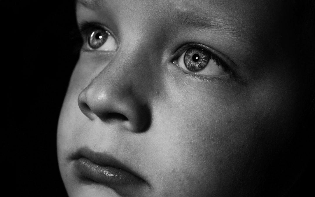 APDHA denuncia que una niña migrante de 6 años ha estado separada de su familia durante más de un año por la burocracia