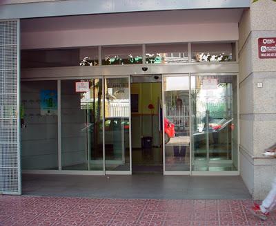 La Asociación Vecinal Valdeolleros exige soluciones a Junta del colapso de la Atención Primaria en el Centro de Salud Santa Rosa