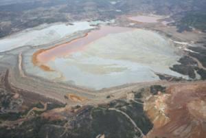 Ecologistas en Acción denuncia que la Junta incrementa el riesgo de rotura de las balsas de lodos de Atalaya Riotinto Minera al autorizar un nuevo recrecimiento