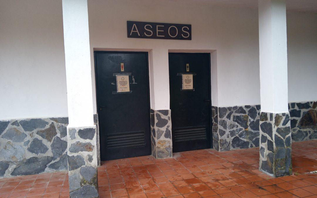Ecologistas en Acción denuncia que los aseos y el leñero de los Villares están cerrados