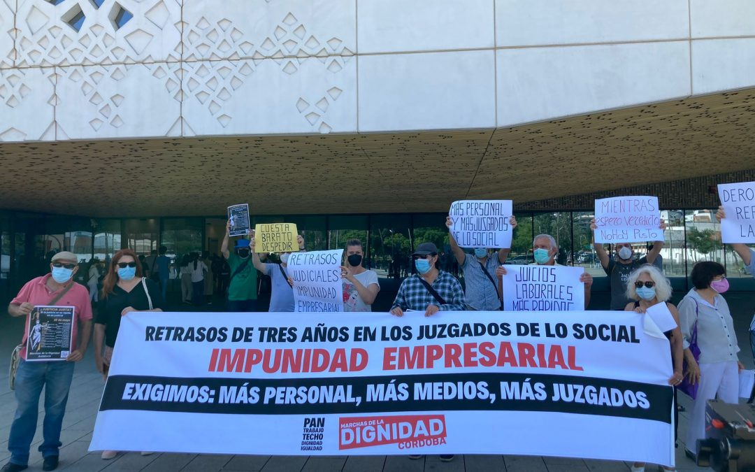 Las Marchas de la Dignidad se manifiestan en toda Andalucía contra los retrasos en juicios de derechos fundamentales laborales.