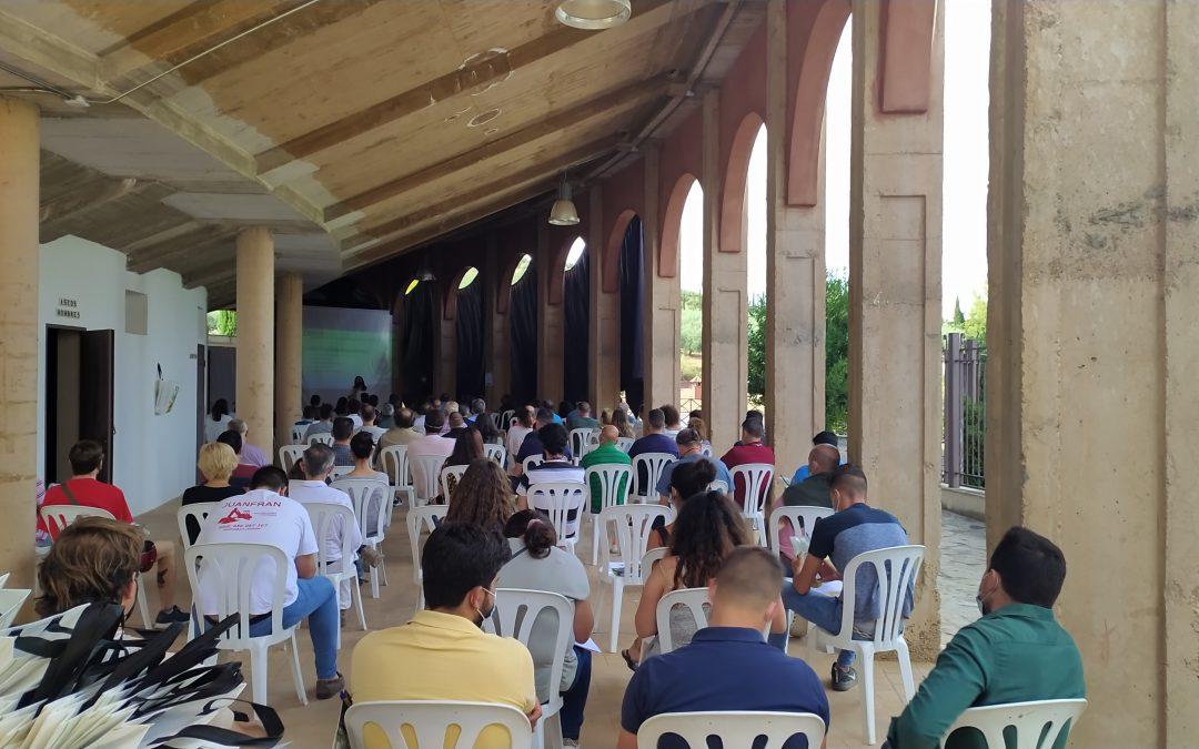 Más de cien agricultores se dan cita en Almedinilla con motivo de las I Jornadas Del Olivar