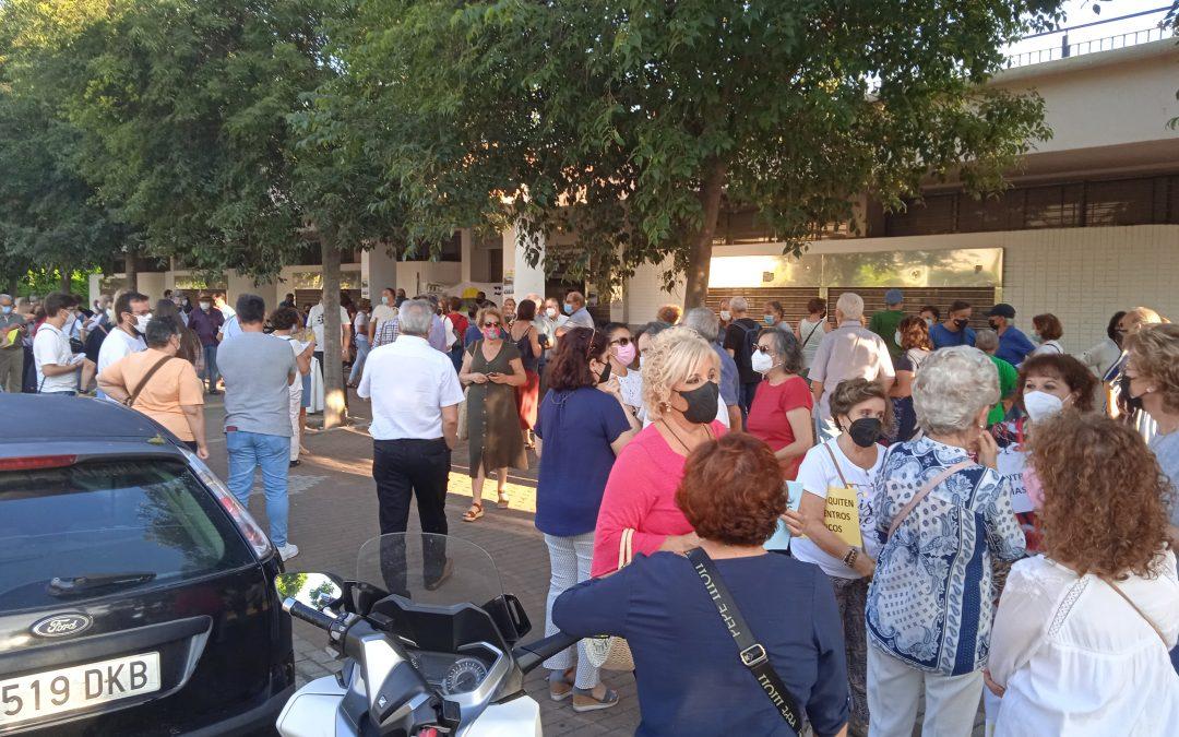 El movimiento ciudadano planta cara al Ayuntamiento en su intento de desmantelar los Centros Cívicos municipales