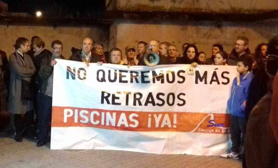 La Asociación Vecinal Guadalquivir exige que no haya un retraso más en la piscina para el Distrito Sur