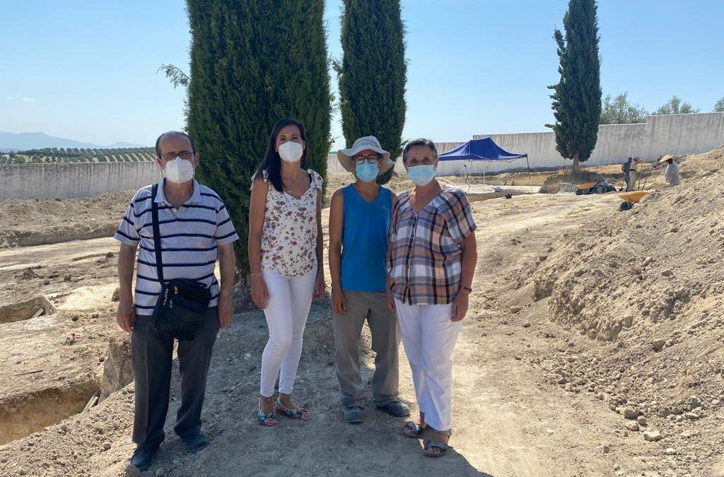La fosa común en la que AREMEHISA centra los trabajos de búsqueda y localización en el cementerio de Aguilar de la Frontera podría albergar los cuerpos de al menos 80 represaliados
